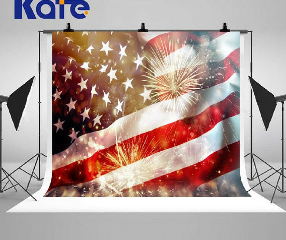 4th of July Photo Booth: Flag Backdrop