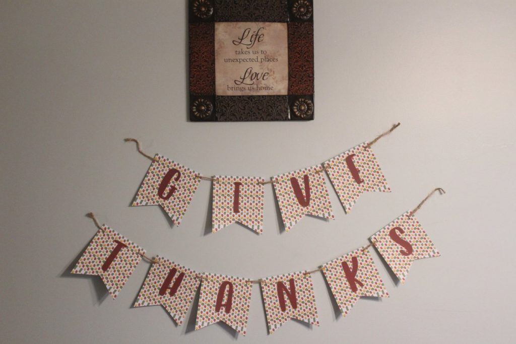 Thanksgiving Banner Hanging
